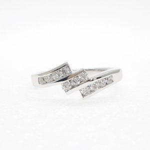 Fancy cz ring แหวนเพชรสวิส เพชรcz แหวนแฟนซี โรงงานผลิตเครื่องประดับเพชรสังเคราะห์ F177