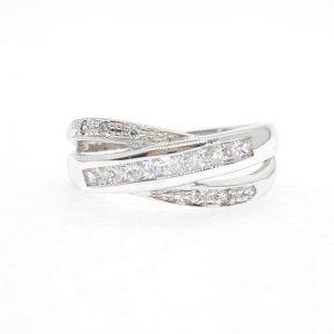 Fancy cz ring แหวนเพชรสวิส เพชรcz แหวนแฟนซี โรงงานผลิตเครื่องประดับเพชรสังเคราะห์ F42